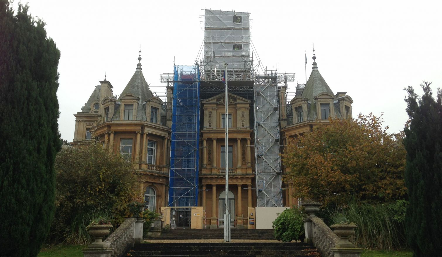 RAF Halton House - Bridged Access Scaffold for the Removal of The Belvedere (Turret)