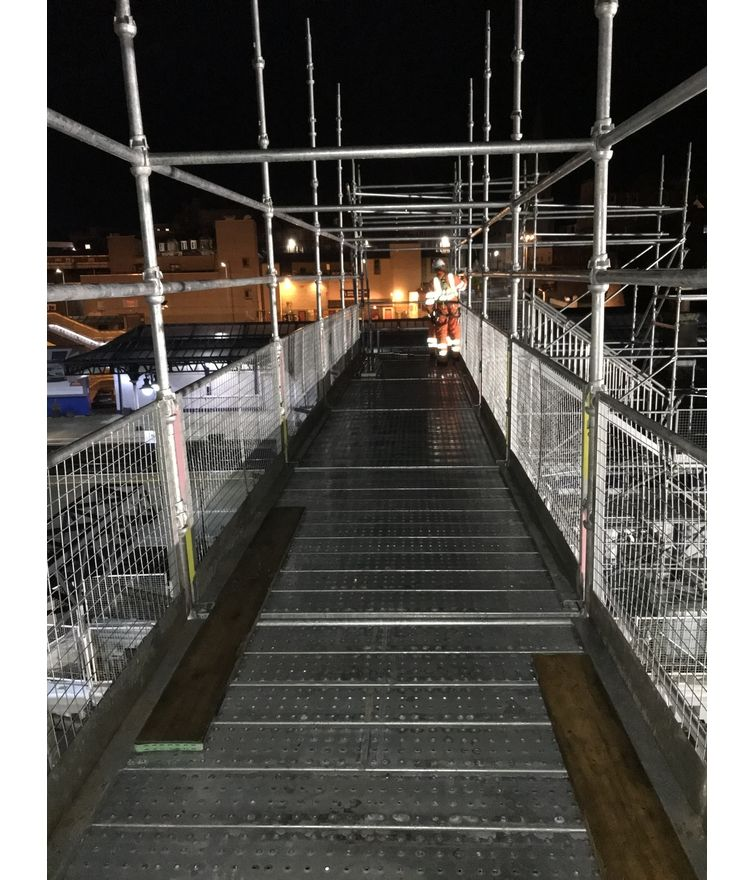 Stirling Train Station, Scotland - Various Scaffolds